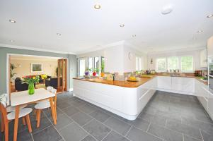 Praktyczne i efektowne oświetlenie do kuchni - czy to możliwe?